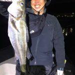 ボートフィッシングで何でも釣り! 東京湾でシーバスとサバGET! サワラは残念…