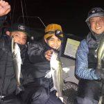 東京湾でちょっと小ぶりなメバルがヒット! シーバスも入れ食いで釣れました!