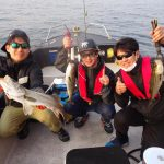 東京湾のデイゲームでシーバス爆釣!穴打ちでビッグな魚も出ました!