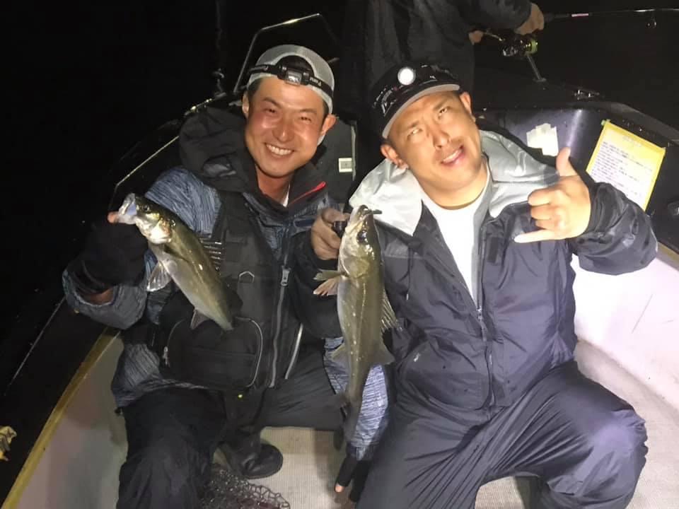 ルアーを選んで東京湾のシーバスボイルで数釣り! 花火も特等席で見れましたw