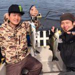 ルアーセレクトをして東京湾シーバスの入れ食いタイム! 友達でチャーターしてくれました!