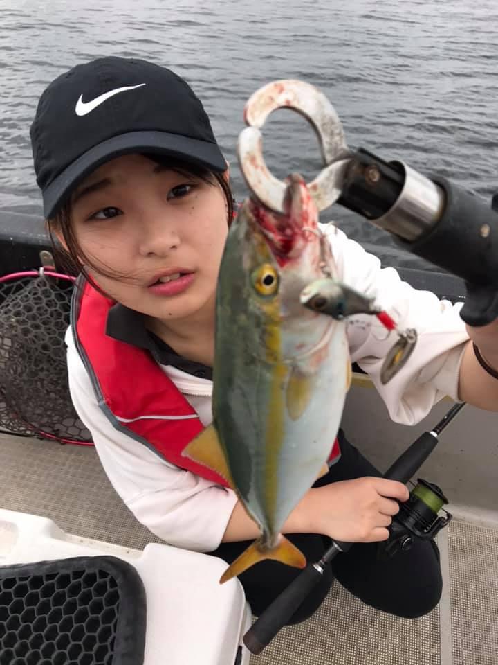初ゲストさん、青物ワカシ&タコが釣れました!夏の東京湾でタコ釣りが熱い!