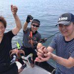 食べておいしい夏のシーバスが十分釣れた!タコが釣れたら締め方の方法もお教えします!