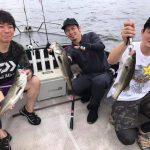 夏の東京湾でシーバス、タコ、青物の3目釣り!レンジ問わずシーバスがヒット!