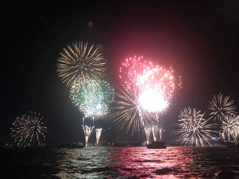 8/3 東京湾ナイトゲーム 花火を見て釣り