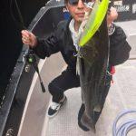 秋らしくトップルアーにシーバスヒット!魚を出したいなら今の時期が一番!
