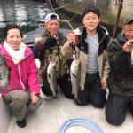 家族で東京湾ボートルアーフィッシング!サワラやシーバスが釣れて楽しんでいただきました!