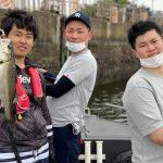 初夏の東京湾ボートシーバス!初心者の方も釣れて全員安打の釣果!
