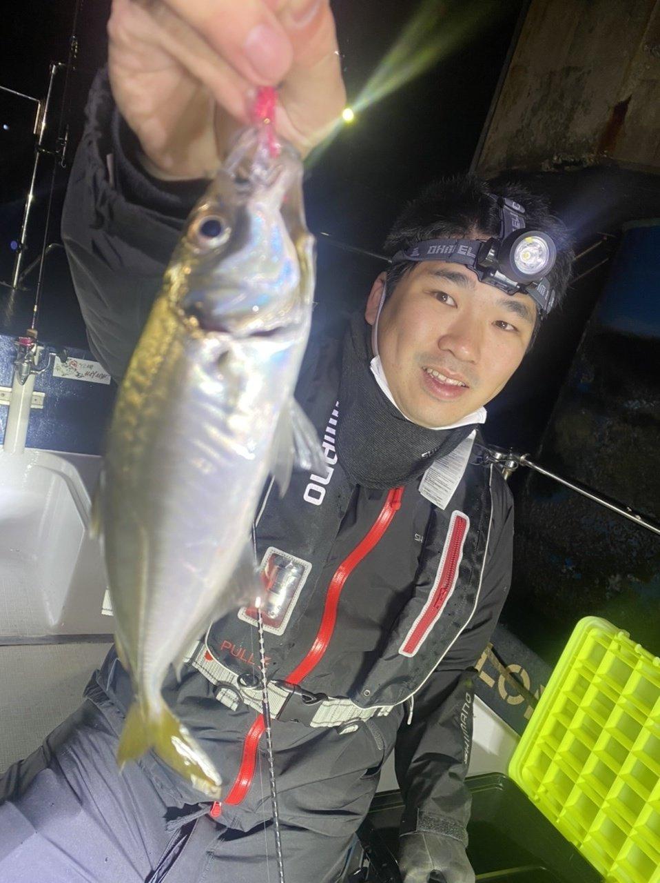 東京湾でアジ爆釣!カサゴやクロダイも混じってます!大きい魚はお土産にw
