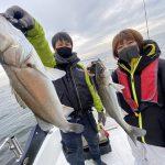 東京湾ボートシーバスでダブルスコアの釣果!女性のお客様がサイズ・数ともにTOP!