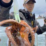 夏の東京湾でタコ釣り!連発ヒットもあり楽しんでいただきました!