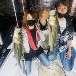 2日連続でお客様の乗船!穴打ちで東京湾シーバスを釣っていただきました!